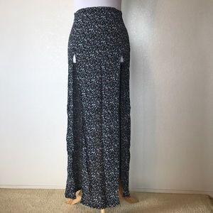 Brandy Melville flower slit skirt